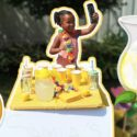 SAMIA PRETEND PLAY SELLING LEMONADE STAND 2