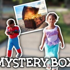 SAMIA AND SPIDERMAN LOOK FOR A MYSTERY BOX 5
