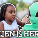 AN ALIEN CAME TO VISIT SAMIA 👽 1